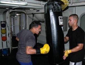 entrainement et exercices au sac de frappe US navy